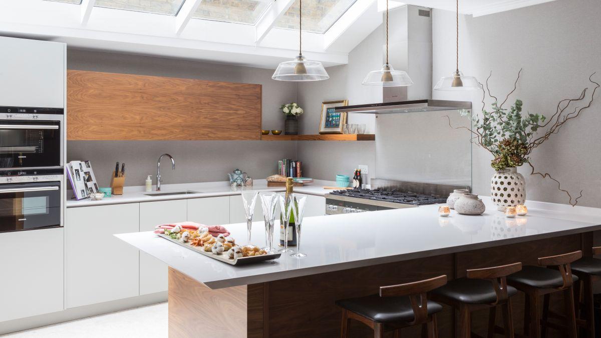 u-shaped-layout-kitchen-design-in-salem